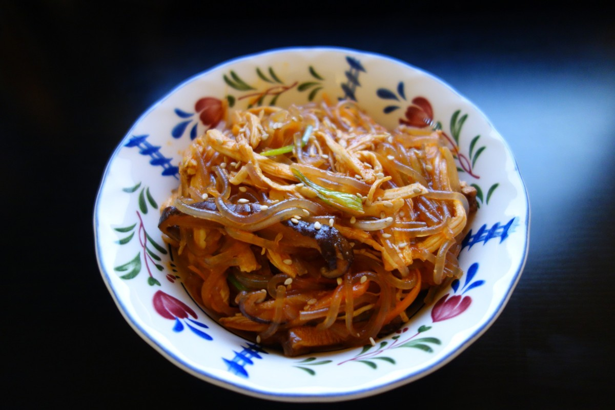 Japchae (Korean Stir-Fried Noodles) 韓式辣炒冬粉