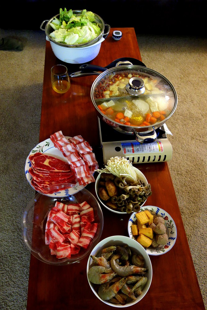 Home made Shabu Shabu and Sichuan pepper hot pot 溫暖麻辣鴛鴦鍋